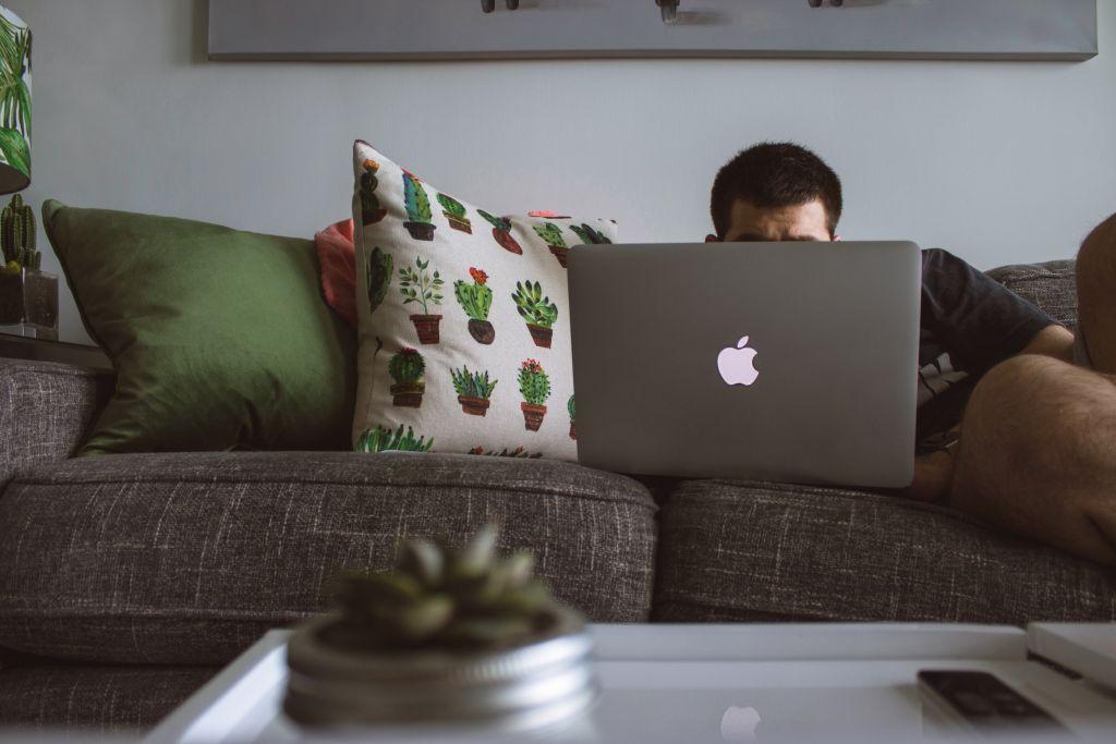 Trabajar en casa o trabajar en la oficina